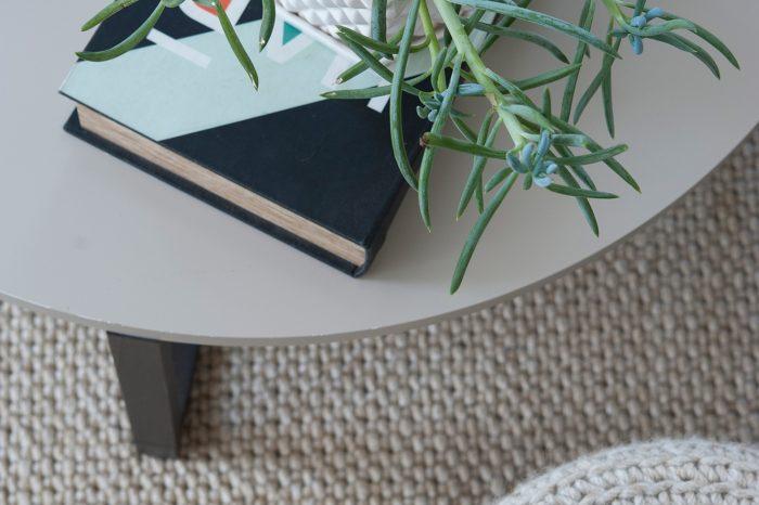 הרחבת דירה בתל אביב - שולחן בסלון