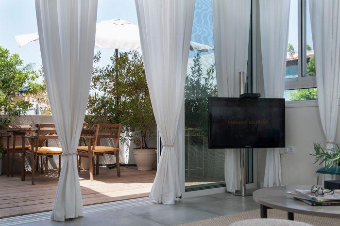 הרחבת דירה בתל אביב - סלון מול המרספת